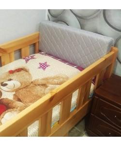 Защитный бортик-спинка для кровати
